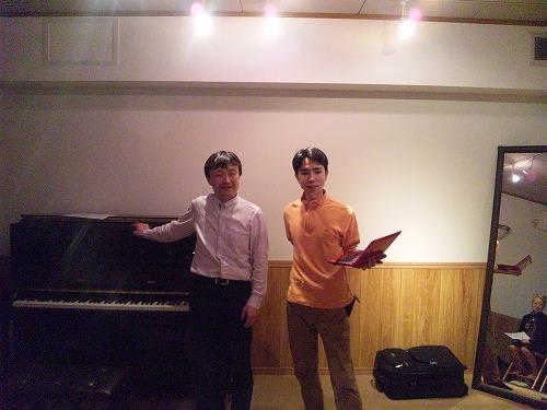 鈴木敬さんとパソコン